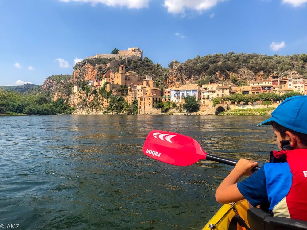 Piraguismo en el río Ebro en nuestra Tarragona con niños