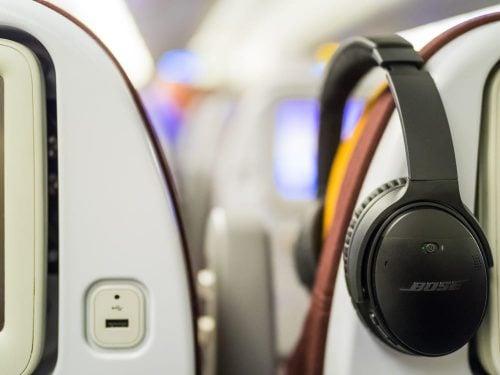 volar con auriculares cancelación ruido