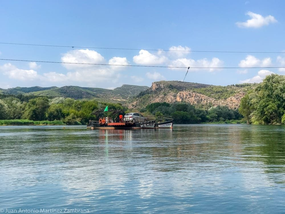 piragüismo en el Ebro. Paso de barca