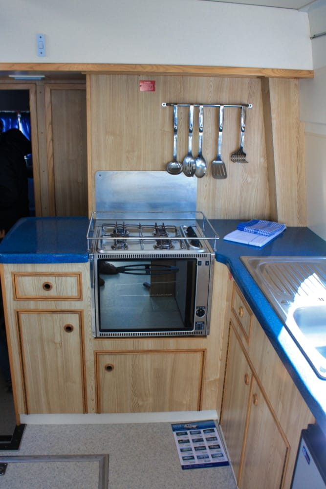 cocina en el barco canales du midi