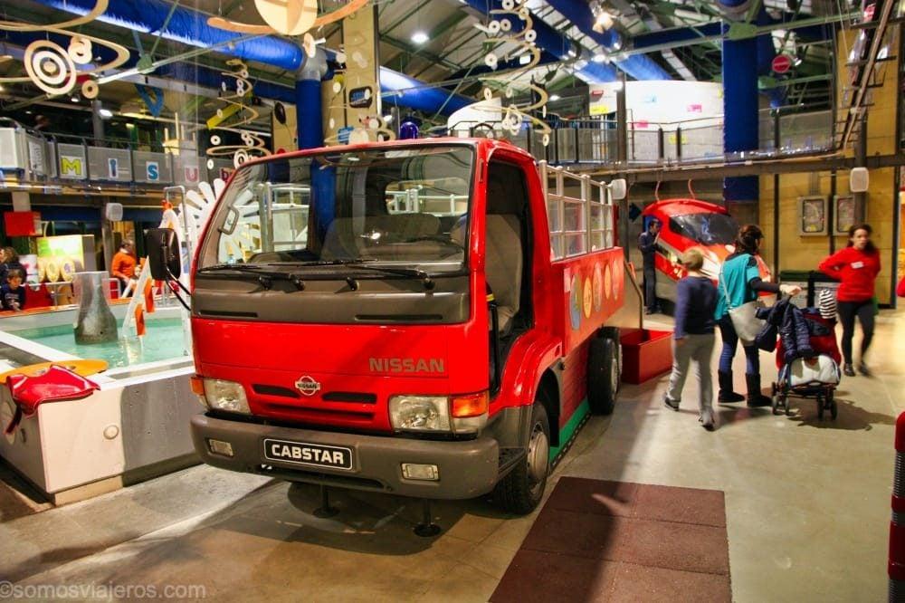 Camión de bomberos en el museo explora de Roma