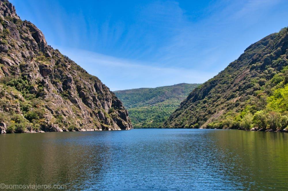 navegando por los cañones del río Sil en nuestra Galicia con niños