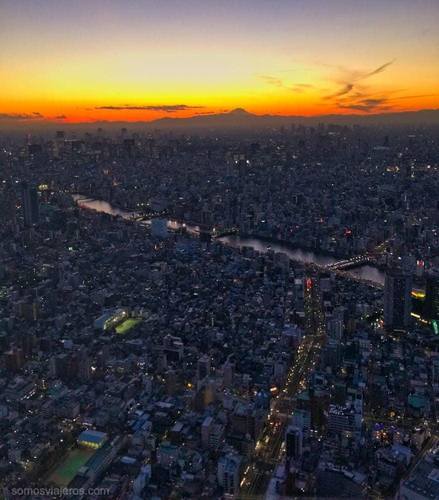 atardecer en Tokyo