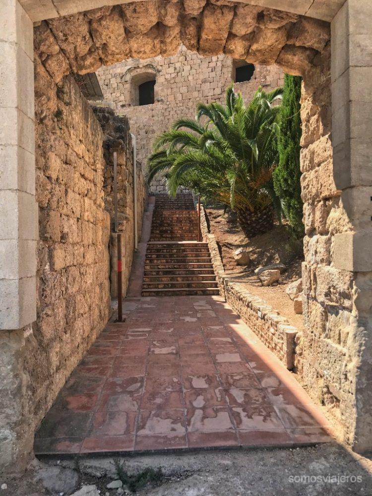 Entrada castillo de Miravet
