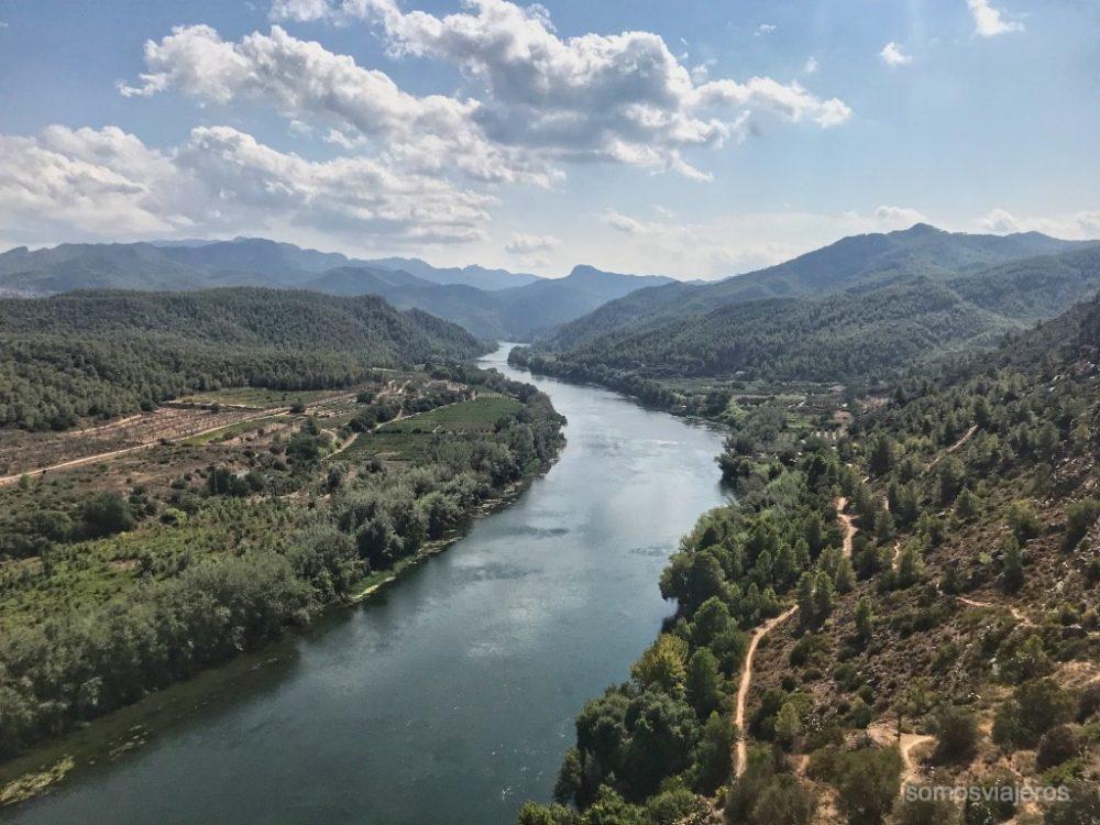 vista Del Río Ebro en el castillo de Miravet