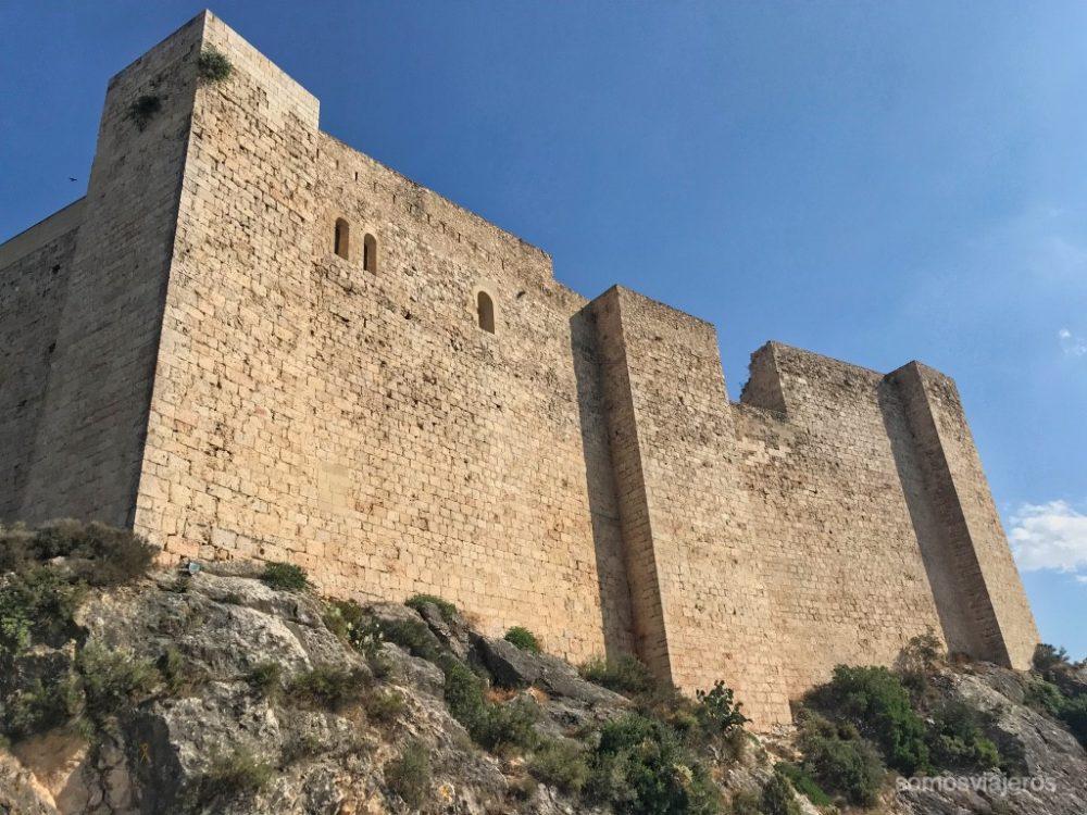 Muralla castillo de >Miravet